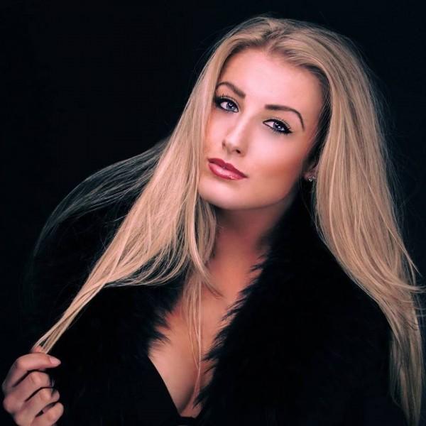 Laura L